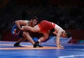 کشتی آزاد قهرمانی جهان| رضا اطری در دور دوم مقابل نماینده بلاروس شکست خورد/ عزتالله اکبری گام اول را محکم برداشت