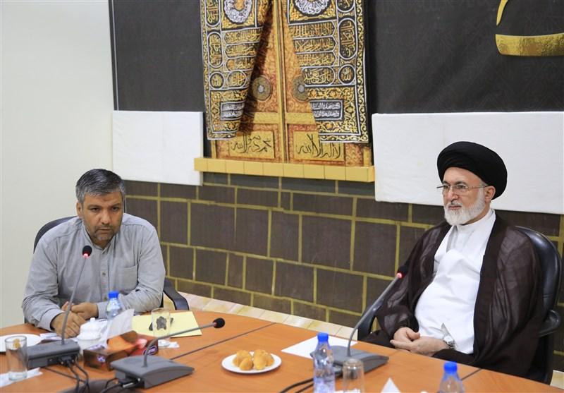 اعضای کاروان قرآنی نور با سرپرست حجاج ایرانی دیدار کردند