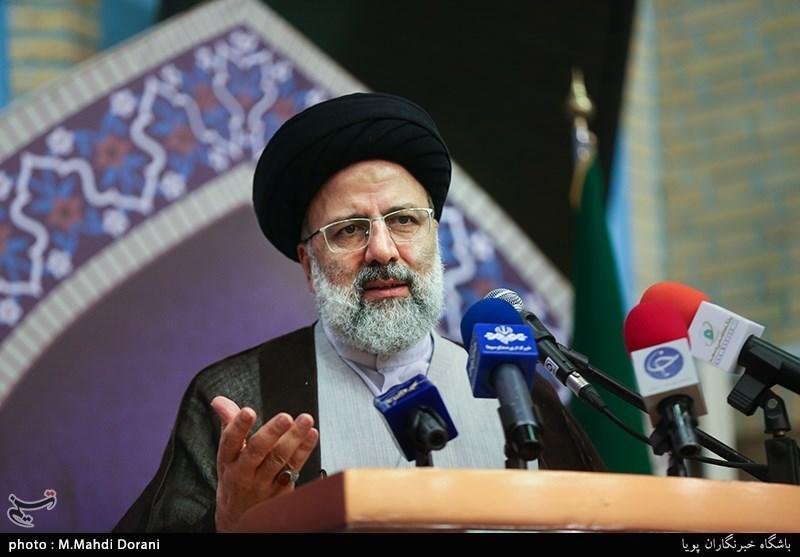 مشهد|حجتالاسلام رئیسی: نظام سلطه دنبال القا یاس و ناامیدی در میان مردم است