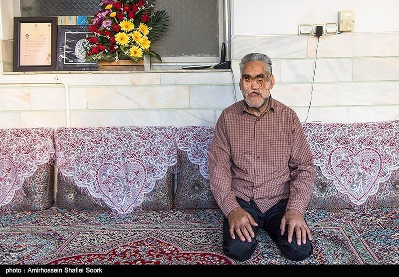 حاج حسین خسرو خاور جانباز 70درصدی که یادآور شهید رجب محمدزاده است.