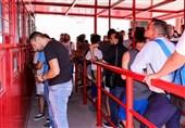 صف هواداران المپیاکوس برای خرید بلیتهای 10 تا 150 یورویی + عکس