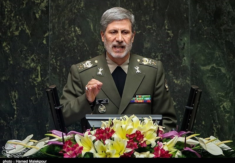 Iranian Defense Minister Briefs MPs on Latest Military Achievements