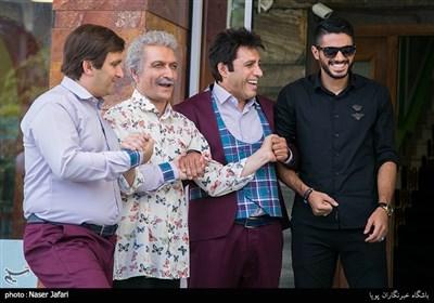 از راست :شایان مصلح ،علی فروتن ،حمید گلی و محمد مسلمی در پشت صحنه مجموعه نمایشی دوقلوها