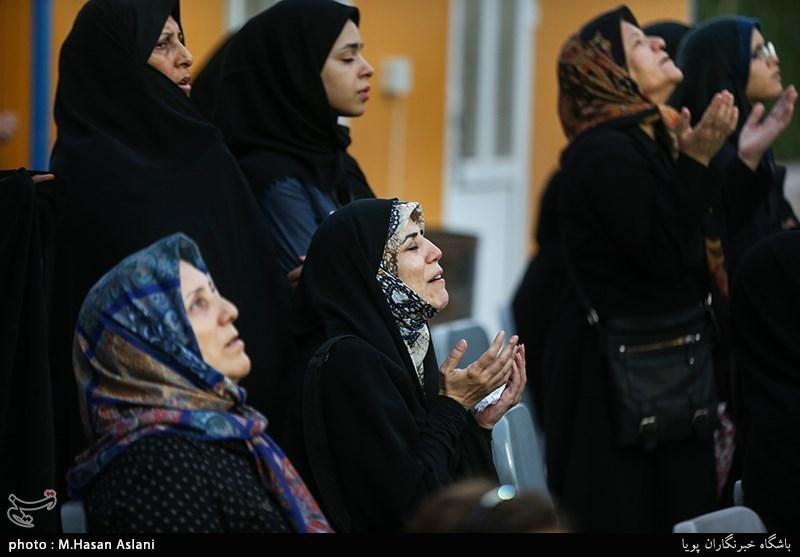 اهتزاز پرچم گنبد امام حسین(ع) بر فراز مراز شهدای گمنام