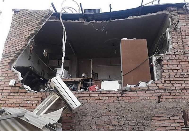 تخریب کارگاه خیاطی بر اثر انفجار گاز/ 2 مرد سوختند + تصاویر