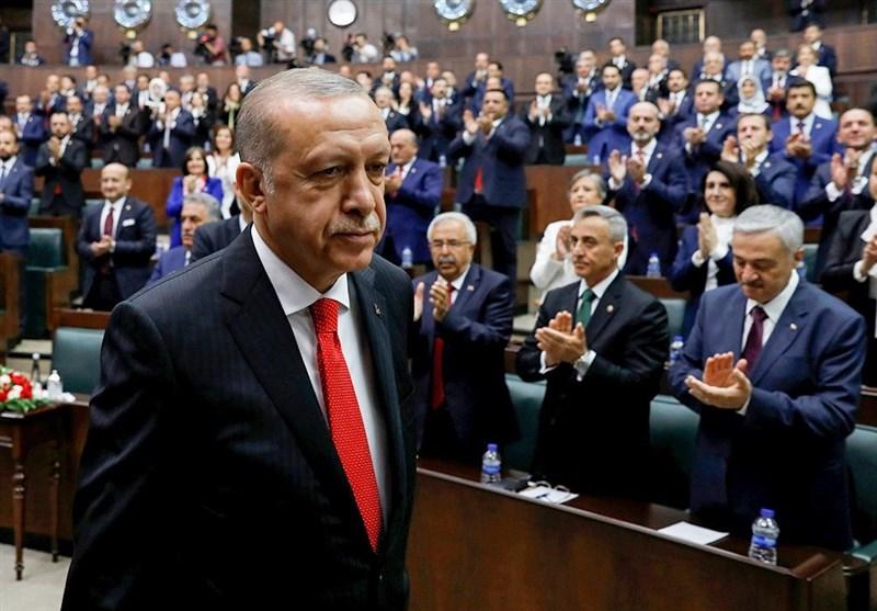 بحران اقتصادی در ترکیه باعث کاهش محبوبیت اردوغان نشده است