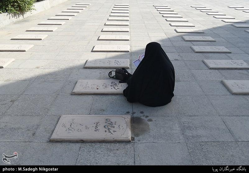قزوین| شهدا با دستان خالی در مقابل استکبار جهانی ایستادند
