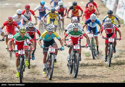 Iranian Cyclists Race in Asian Games