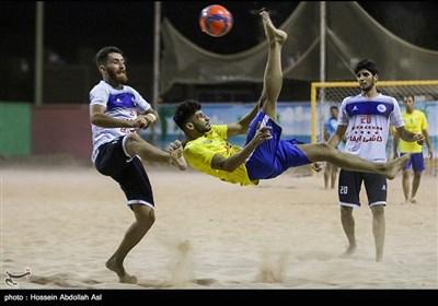 دیدار تیمهای فوتبال ساحلی شهید جهان نژادیان آبادان و پیام کویر اردکان یزد