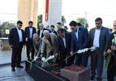ادای احترام مدیران و مسئولان استان همدان به شهدا +تصاویر