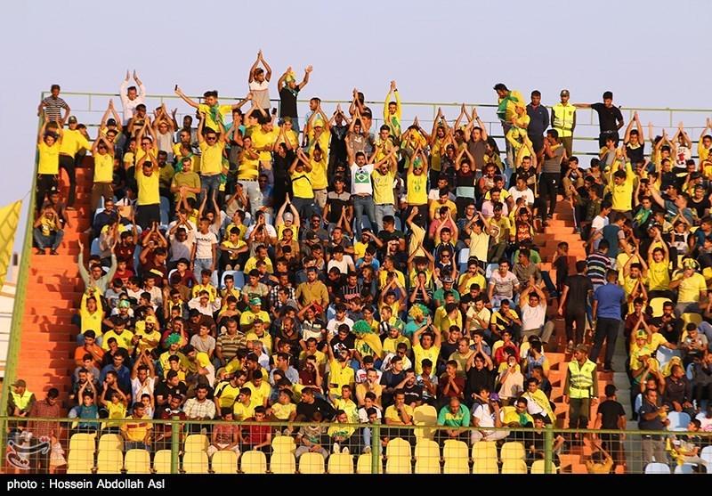 دیدار تیم های فوتبال صنعت نفت و پرسپولیس - آبادان