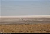 اقدامات غلط مسئولان تهدیدهای زیست محیطی دریاچه ارومیه را تشدید میکند