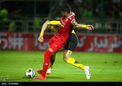 دیدار تیمهای فوتبال سپاهان و تراکتورسازی