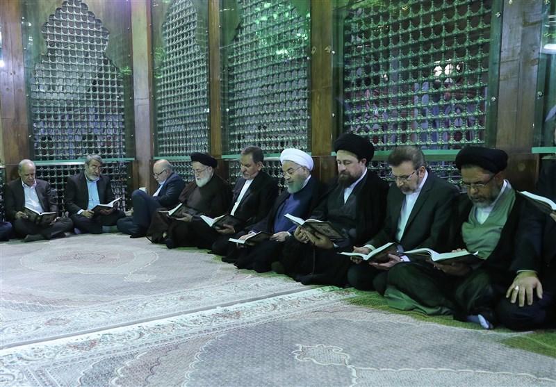 تجدید میثاق رئیسجمهور و هیئت دولت با آرمانهای امام (ره) در هفته دولت