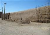 بخشی از دیواره های برج و باروی سلجوقی کاشان مرمت شد