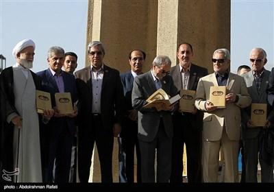 در این مراسم که با حضور برخی دانشمندان کشوری و مقامات استانی از کتاب القانون تصحیح نجفقلی حبیبی رونمائی شد.