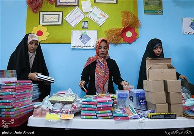 اهدای کیف و لوازمالتحریر به مددجویان موسسه زندگی خوب
