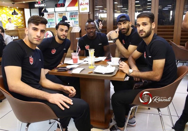 پرسپولیسیها به قطر رسیدند + عکس