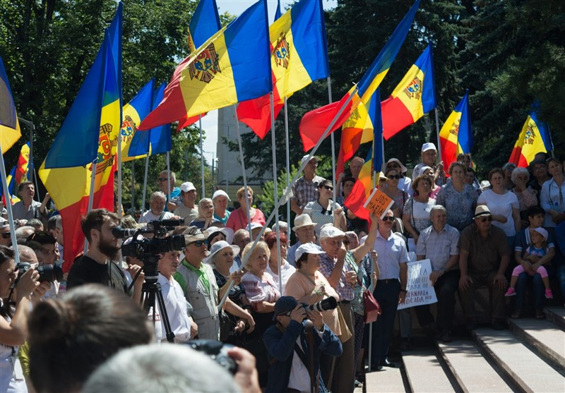 Moldovan President Denounces Protests by Pro-European Opposition in Chisinau