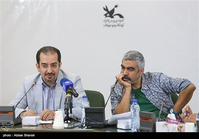 سروش صحت دبیر جشنواره و محمدرضا زمردیان معاون فرهنگی کانون پرورش فکری کودکان و نوجوانان