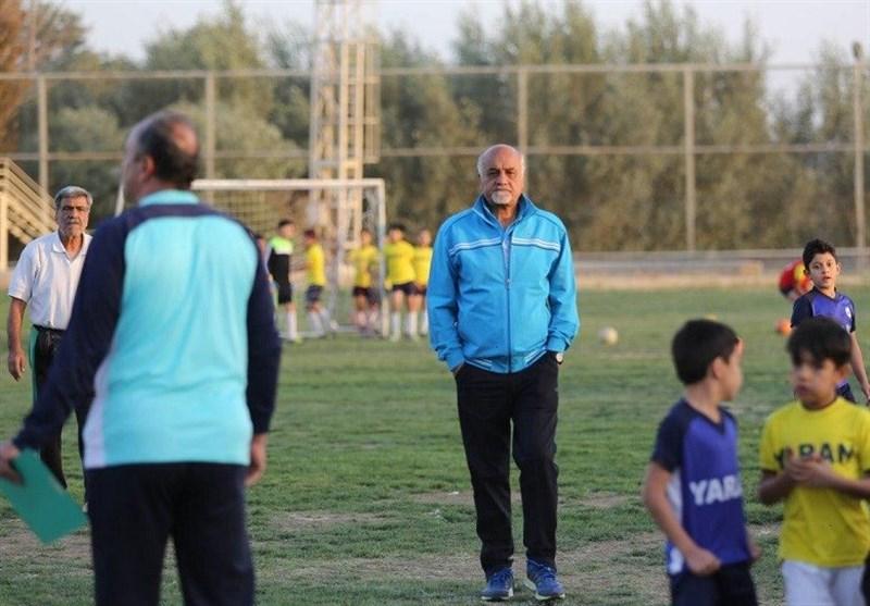 اصفهان| محمد یاوری: تیم ملی نباید برابر عراق به دنبال انتقام باشد