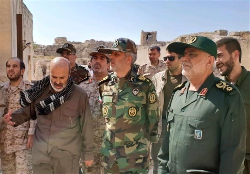 بازدید وزیردفاع از روند پاکسازی شهر حلب