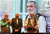 تندیس مرشد ترابی در دست نقالان برتر+عکس