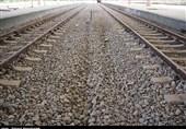 قطار پرسرعت تهران- قم-اصفهان از داخل حریم شهری قم عبور میکند