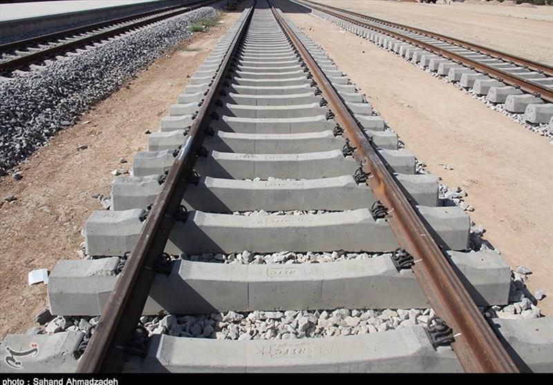 سرعت کُند قطار سریع السیر تهران ـ اصفهان؛ فقط 12 ماه از وعده بهرهبرداری باقی مانده است