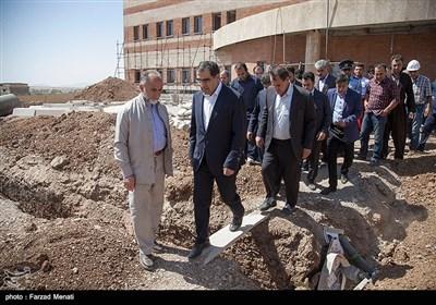 سفر وزیر بهداشت به شهرستان زلزله زده ثلاث باباجانی