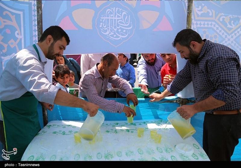 بجنورد| ایستگاه پخش شیرینی و شربت بهمناسبت عید سعید غدیر به روایت تصویر