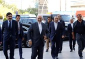 Zarif Heads to Pakistan after Coordination with Turkey against US Hostile Policies