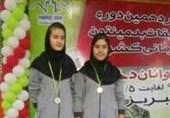 2 بدمینتون باز دختر کردستانی مدال نقره مسابقات قهرمانی کشور را کسب کردند