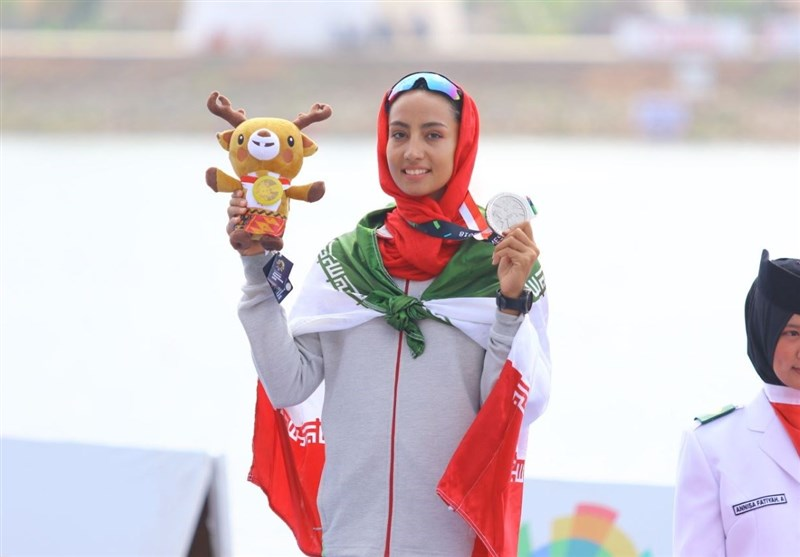 Iran's Kazemi Wins Silver at Kayak Single (K1) 500m Women