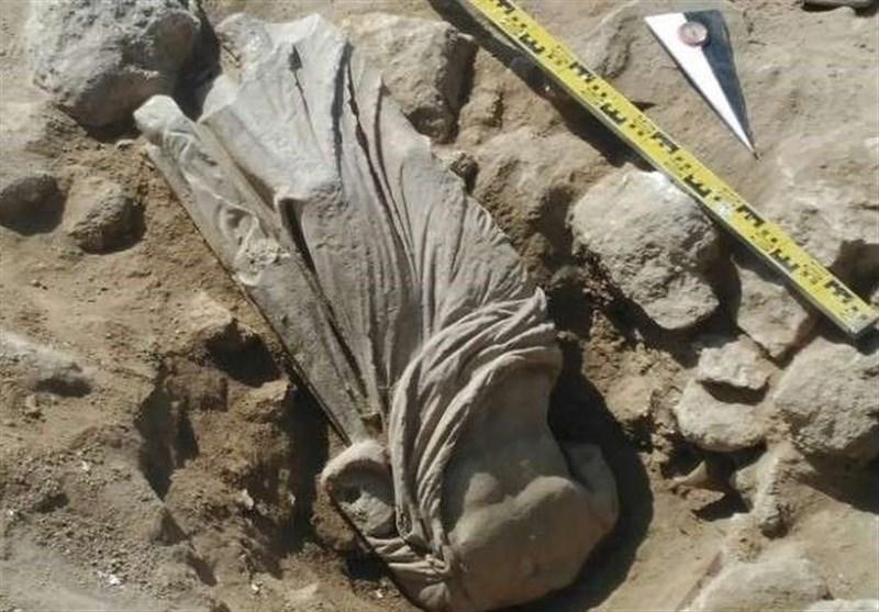 العثور على تمثال نادر فی القرم