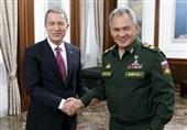 گفتوگوی تلفنی وزرای دفاع ترکیه و روسیه درباره ادلب