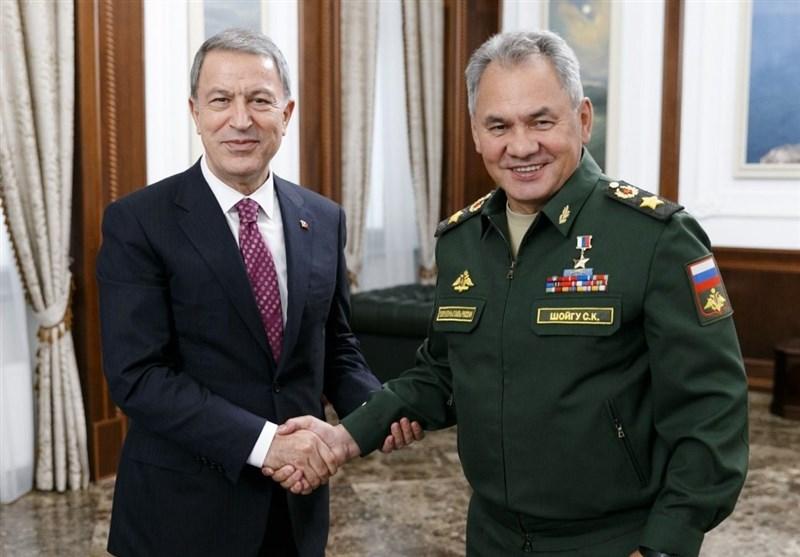 مذاکرات تلفنی وزرای دفاع روسیه و ترکیه درباره ادلب