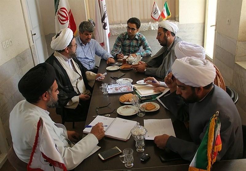 یزد| میزگرد تخصصی انقلاب و مساجد؛ کارکرد مساجد ارتقا یابد