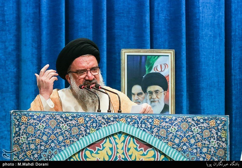 Iran's Missiles to Hit Aggressors like Thunderbolt: Cleric