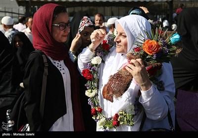 بازگشت کاروان حجاج به اصفهان