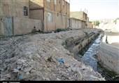 لرستان|30 سال زندگی با خاک و گَنداب؛ شهروندانی که در حاشیه فاضلاب روز را به شب میرسانند + تصاویر