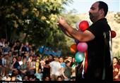 جشنواره تئاتر خیابانی مریوان|وقتی با «نمایشهای» تئاتر خیابانی لبخند و شادی به مردم هدیه داده میشود+تصاویر