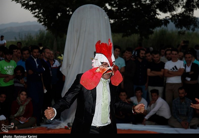 جشنواره تئاتر خیابانی مریوان|31 اثر در روز سوم جشنواره تئاتر مریوان به اجرا درآمد