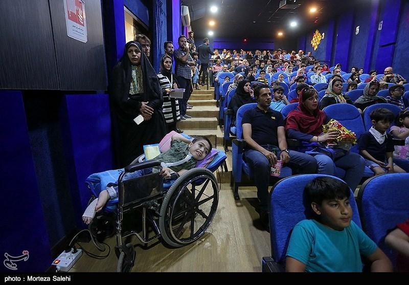 سیویکمین جشنواره بینالمللی فیلم کودک اصفهان| از دردسرهای فنی اکران تا استقبال کودکان از آهوی پیشونی سفید 2