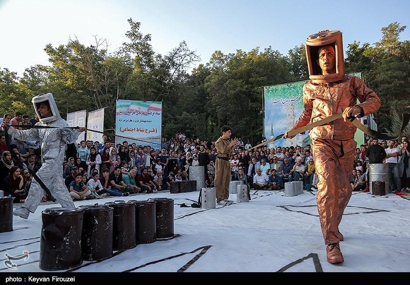 جشنواره تئاتر خیابانی مریوان| نمایشهای جشنواره تئاتر خیابانی مریوان به روایت تصویر