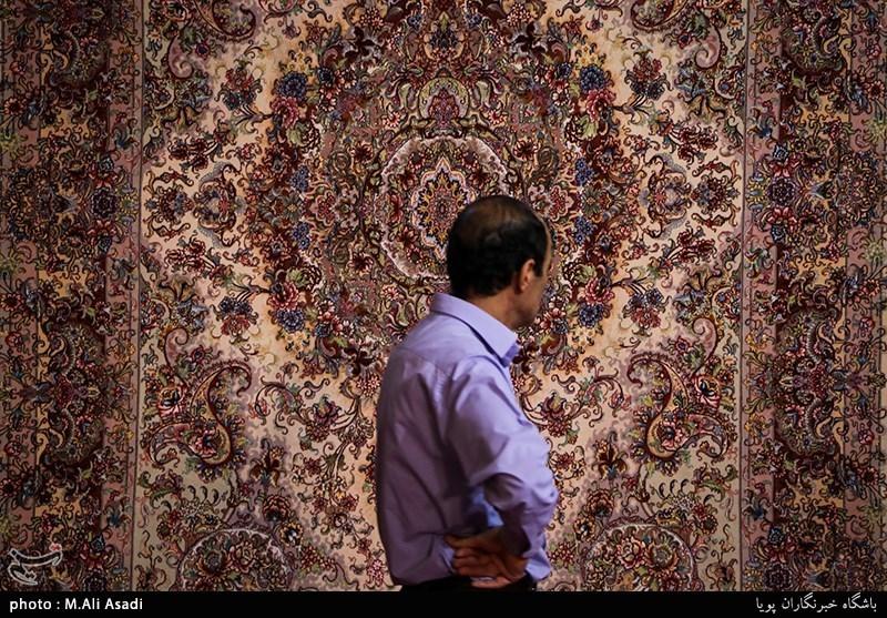 تقویت فرش دستباف فارس در قالب خوشه فرش دنبال میشود