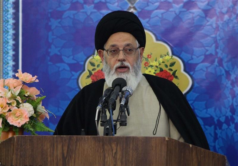 یزد | امروز به جای استفاده از ظرفیت نیروی انسانی از ظرفیت حزبی و انحرافی استفاده میشود