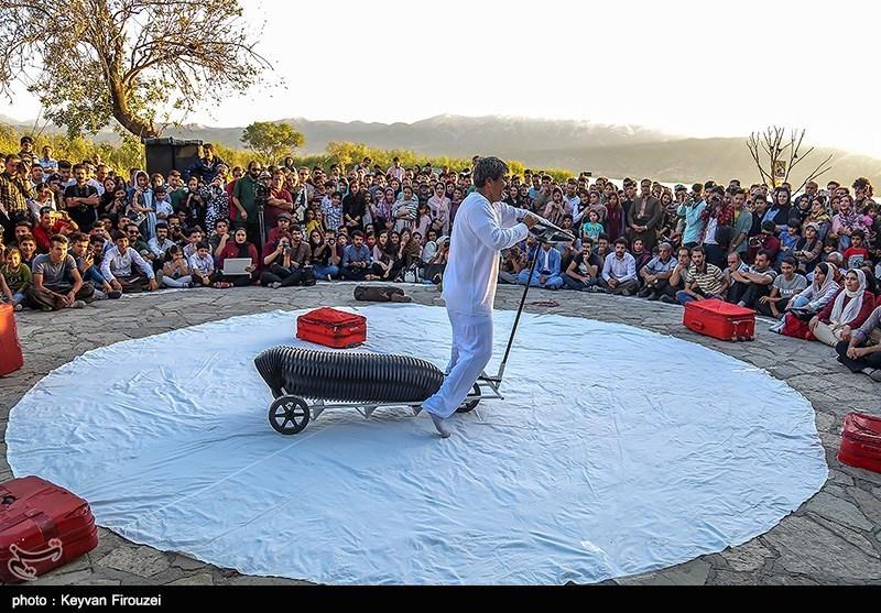 آخرین اجراهای جشنواره بینالمللی تئاتر خیابانی مریوان به روایت تصویر
