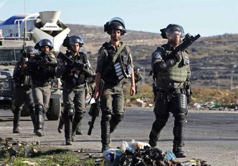 """القوات """"الإسرائیلیة"""" تشن حملة مداهمات واعتقالات فی الضفة"""