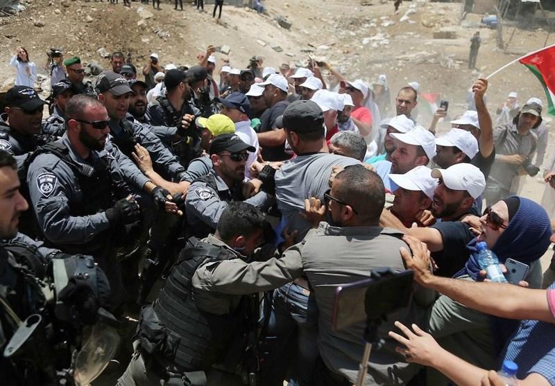 فلسطین| تحصن ساکنان الخان الاحمر برای جلوگیری از تخریب آن توسط صهیونیستها
